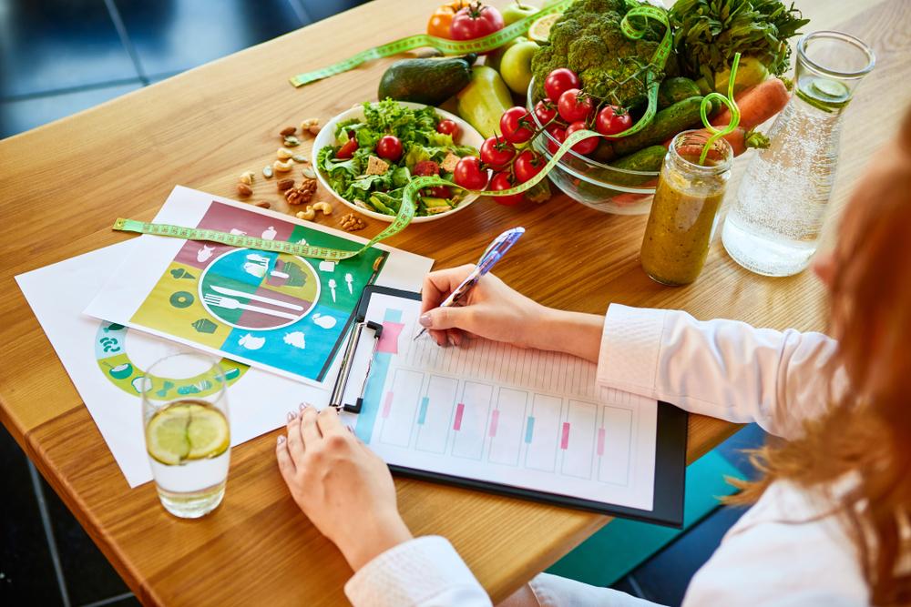 12 полезных продуктов, которые едят диетологи