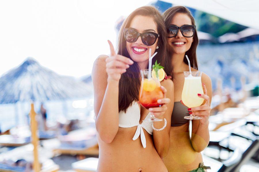 Слово защите: чем питаться в отпуске, чтобы не навредить организму