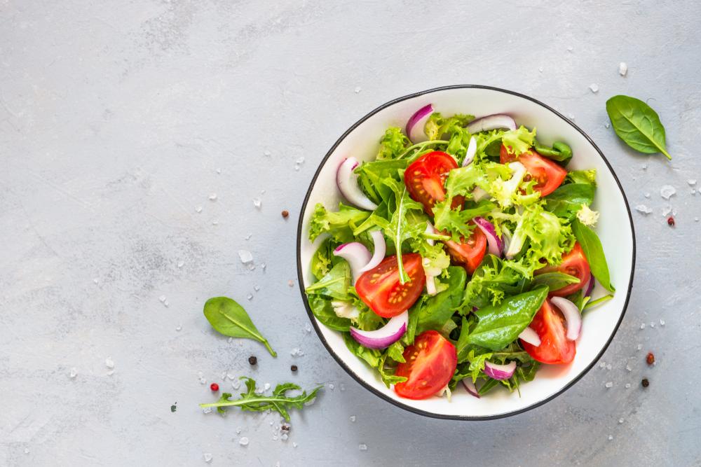 7 суперфудов для летних салатов