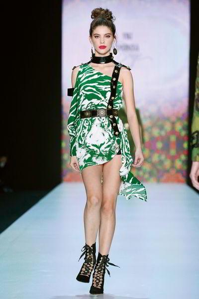 Модный колорит: 3 хитрости, которые помогут создать образ в стиле этно