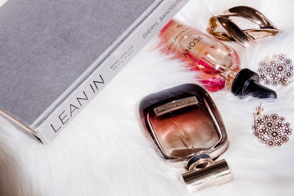 Разбираем бьюти-шкаф: как проверить парфюм на подлинность (и есть ли у него срок годности)