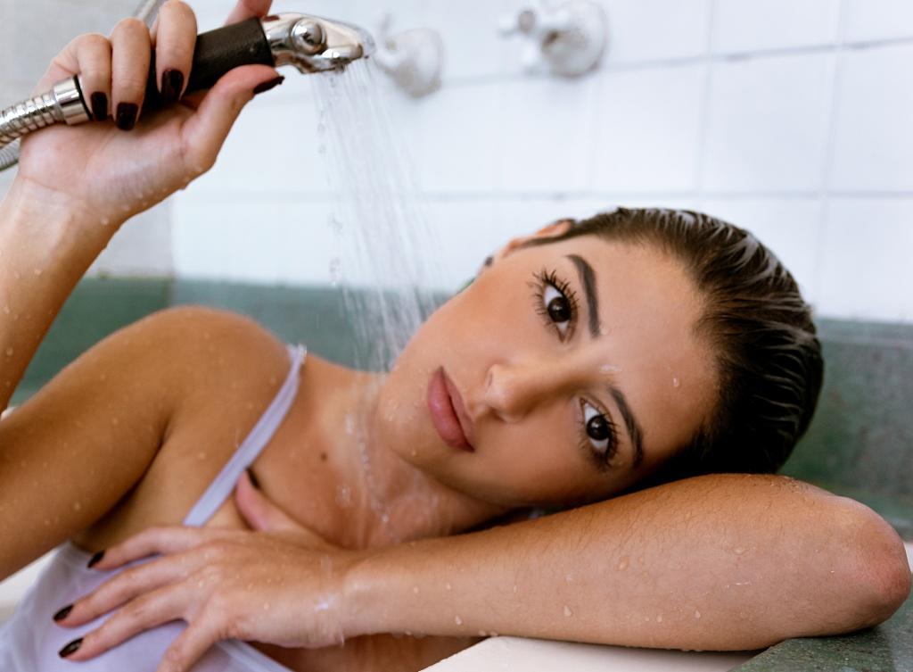 Время для себя: 7 советов, как превратить душ в ритуал