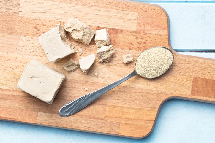Пекарские дрожжи помогают вылечить болезнь Альцгеймера