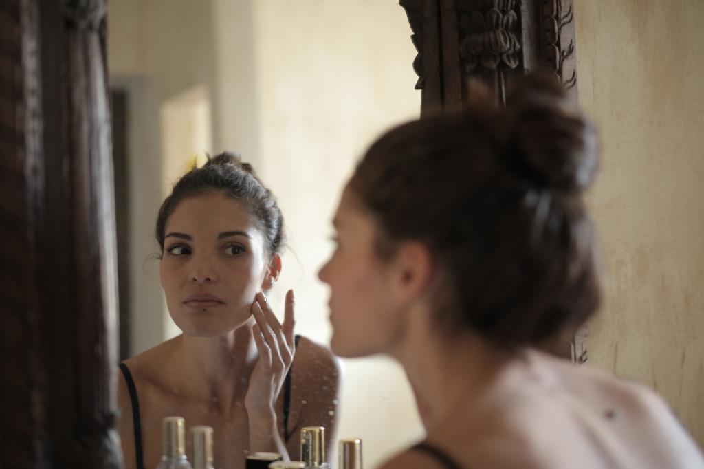 Приятный ритуал: что такое очищающий бальзам и как им пользоваться