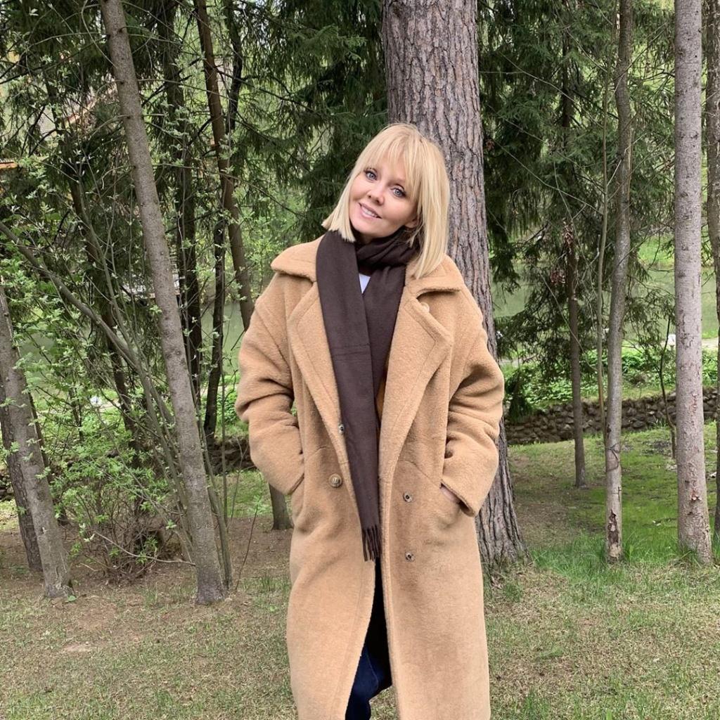 Красные тени и взъерошенные волосы: Валерия удивила всех новым образом