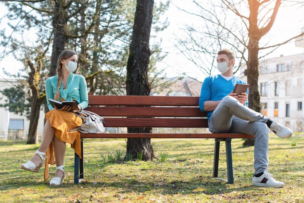 Ученые назвали оптимальное расстояние социальной дистанции