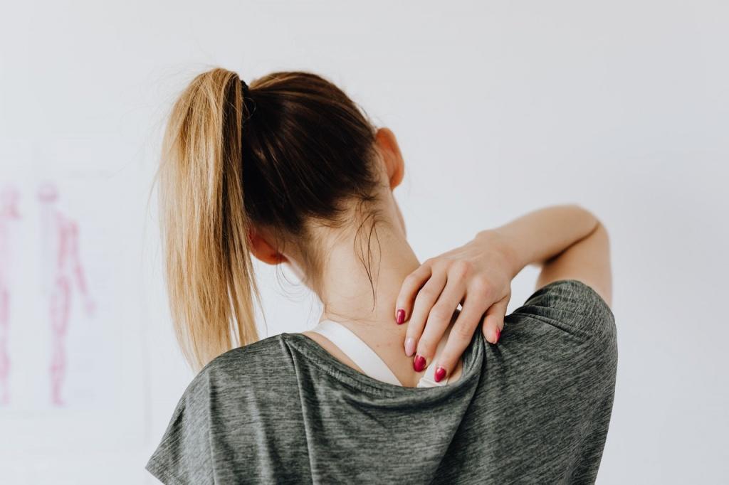 Болит ли спина при пневмонии: что нужно знать о необычном симптоме воспаления легких