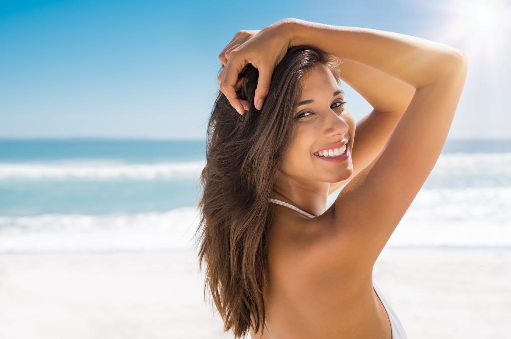 Без высыпаний и жирного блеска: 5 правил, как ухаживать за кожей в жару