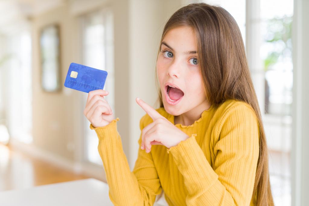 Дети-миллионеры: кому выгодно, чтобы ребенок зарабатывал на своей популярности?