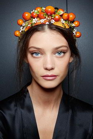 Уход-dolce-and-gabbana-summer-2016-women-fashion-show-backstage-46.jpg