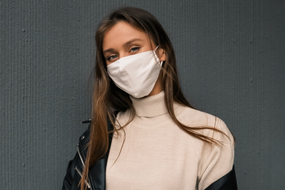 Маска с побочными эффектами: как бороться с маскне и маскититом