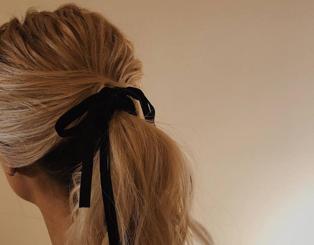 Новая классика: 8 способов сделать стильный низкий хвост