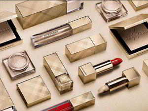 burberry_holiday_festive_beauty_collection_2016.jpg