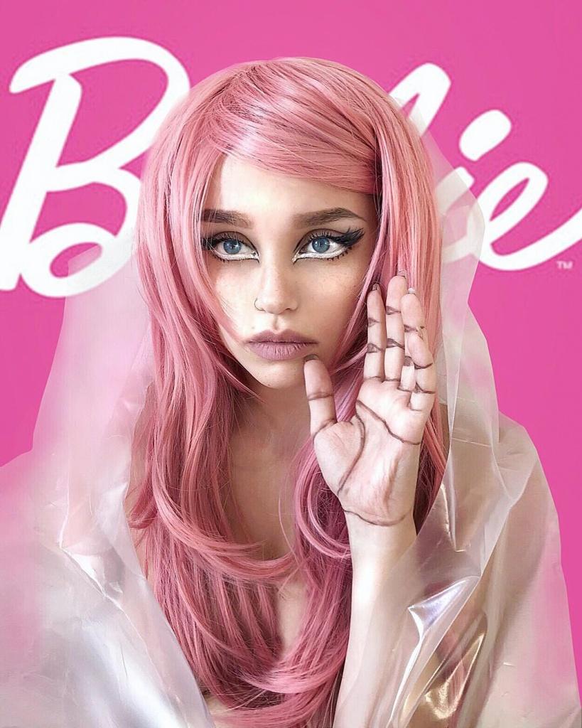 Макияж e-girl: 5 характерных приемов
