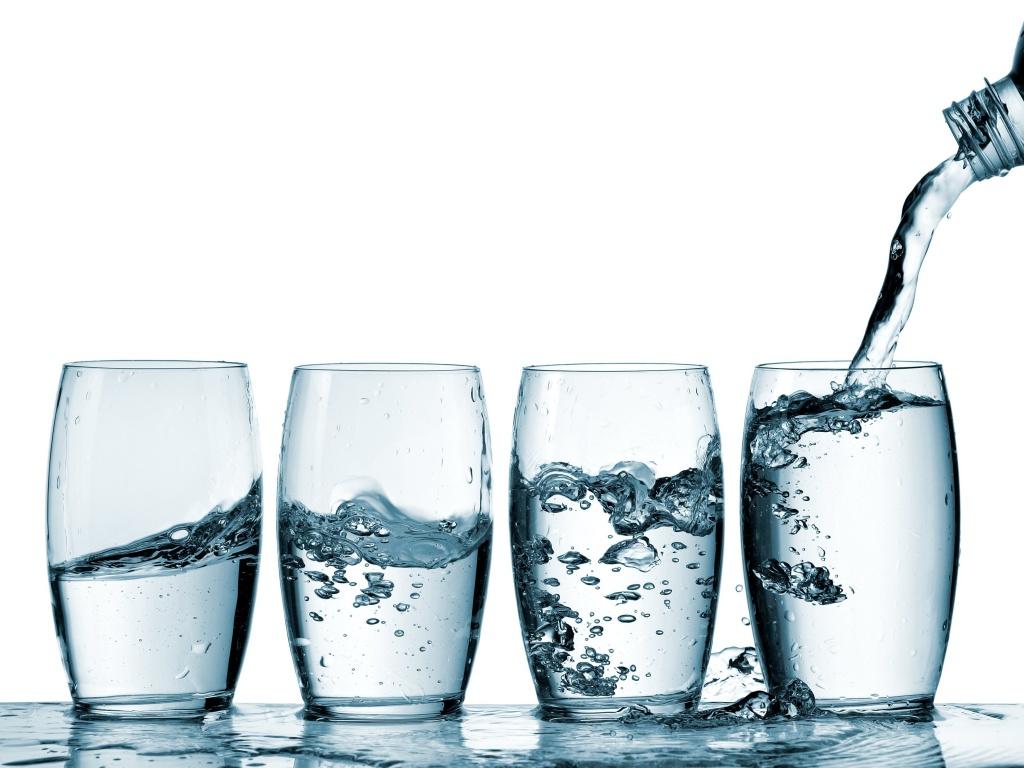 Каждый стакан с пользой: 5 советов, которые помогут организму эффективно впитывать воду