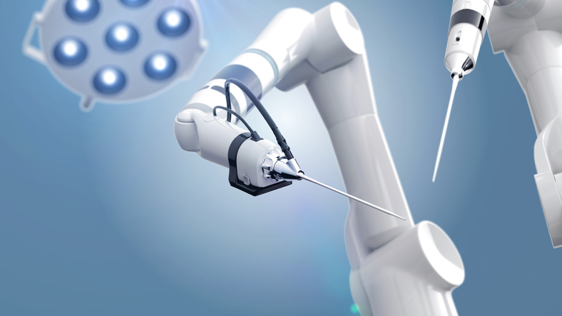 Робот-травматолог приступил к работе в Сеченовском университете