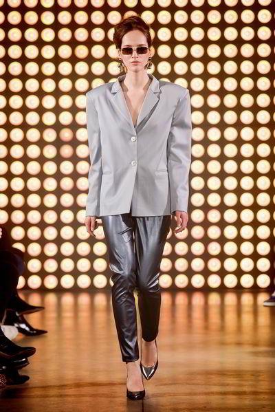 Будь в тренде: 4 вещи, которые должны быть в гардеробе модницы осенью