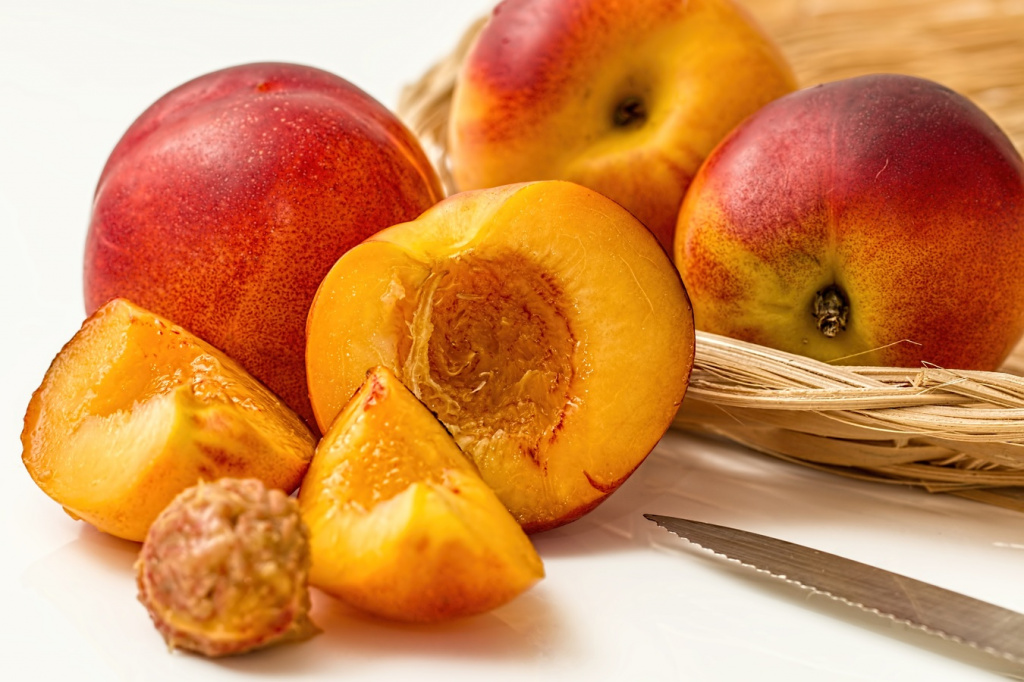 Рецепты из персиков: мало калорий, много пользы