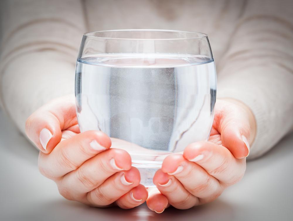 Соленая вода помогает уменьшить симптомы коронавируса