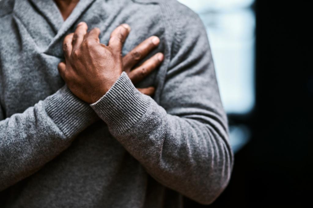 Кардиологи назвали 3 симптома, после которых случается сердечный приступ