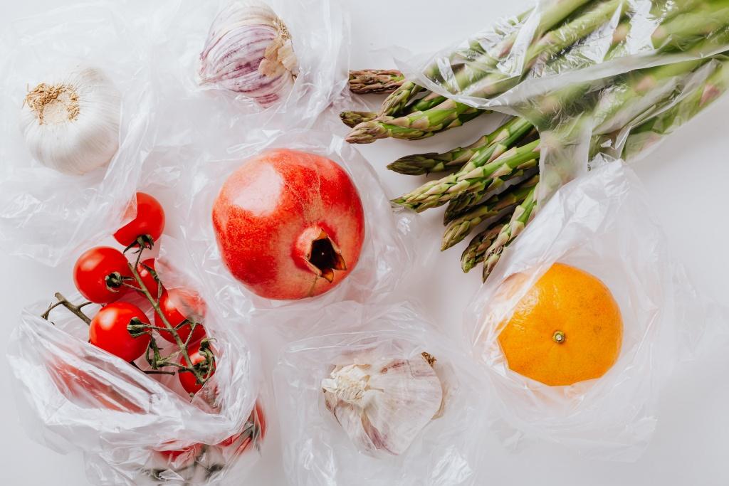 фрукты и овощи в пакетах.jpeg