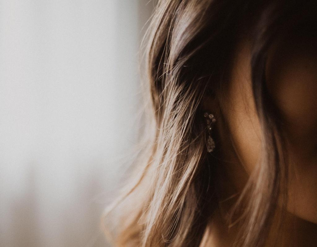 Гиалуроновая кислота, эмоленты и еще 3 рекомендации для обезвоженной коже