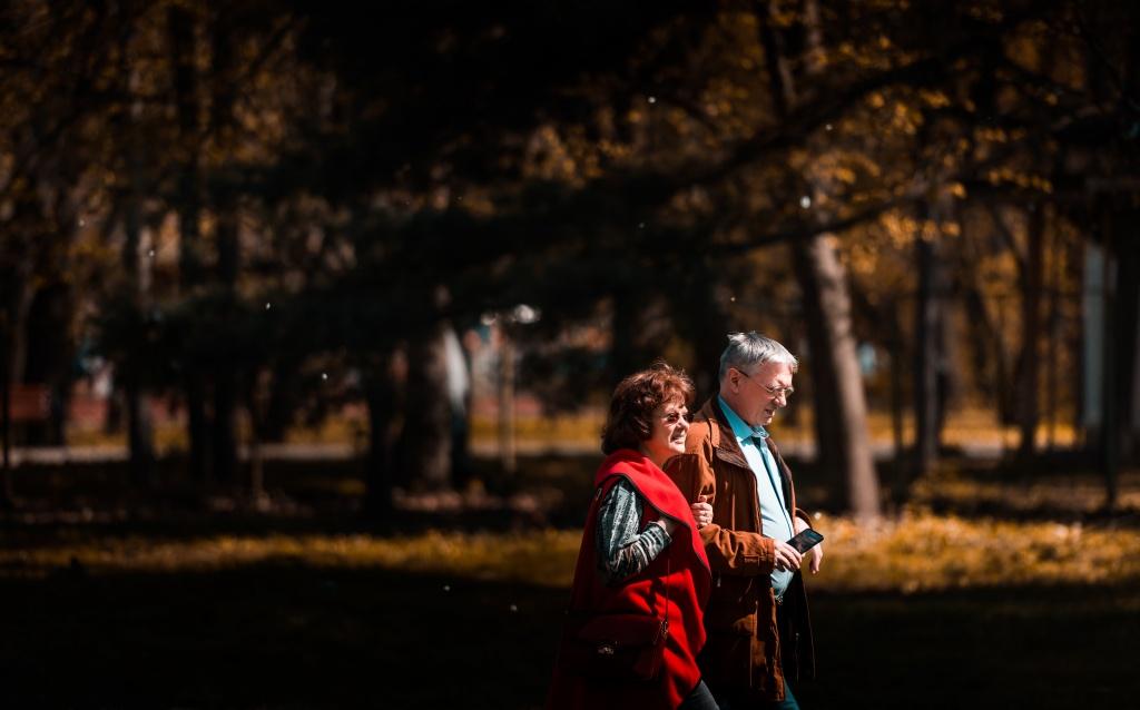 Ковид не закончился: 2 способа поладить с пожилыми родственниками, пока сидите дома