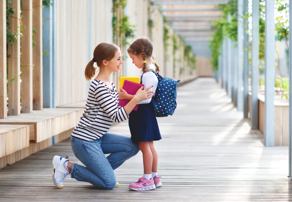 Если ребенок не хочет в школу: 6 причин и советы для родителей