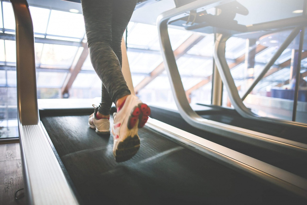 cardio-running-on-a-treadmill_free_stock_photos_picjumbo_HNCK4578-2210x1474.jpg