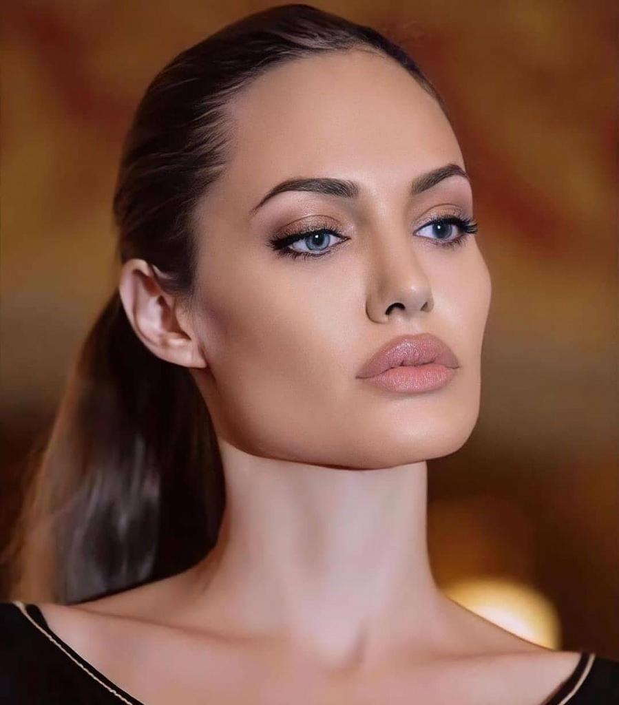 Скулы как у Джоли: 5 вариантов коррекции мандибулярного угла