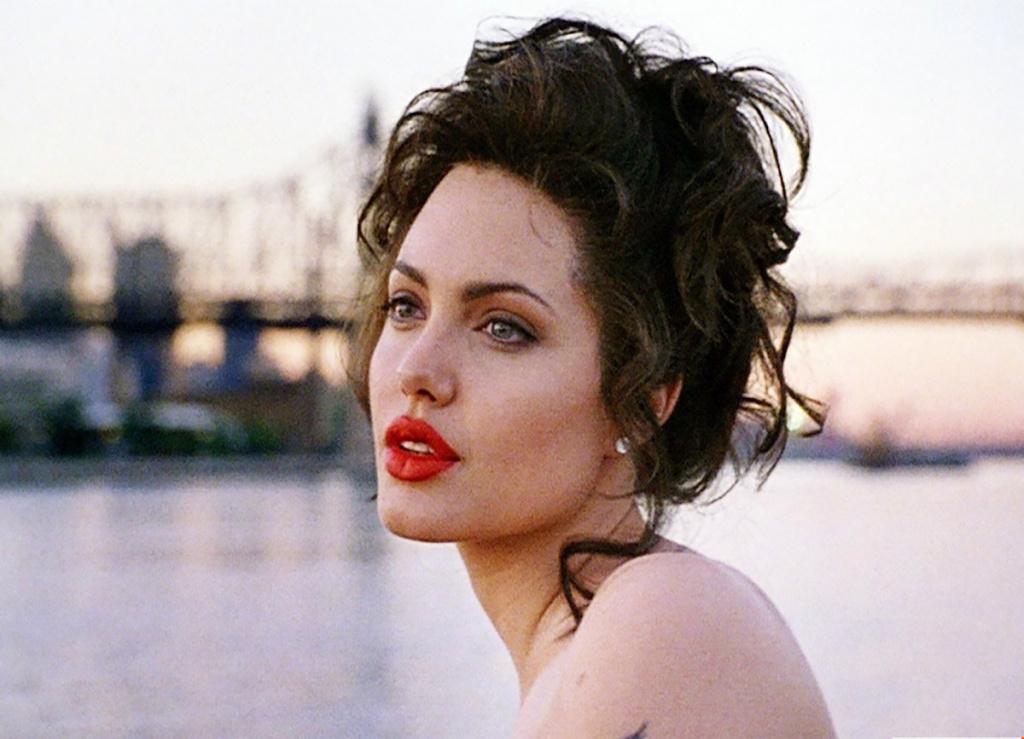 10 лучших фильмов с Анджелиной Джоли