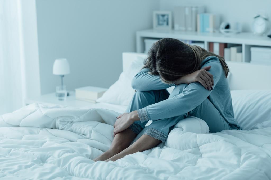 От небрежности в одежде до лишнего веса: 6 признаков внешности, которые указывают на депрессию