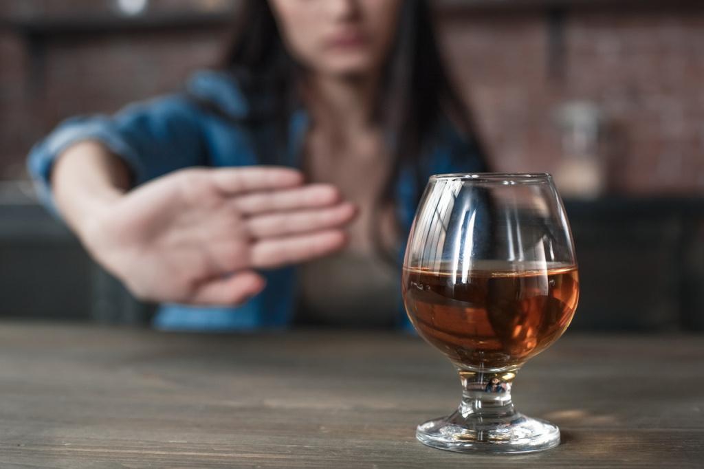 Врачи не рекомендуют употребление алкоголя в режиме самоизоляции