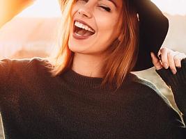 8 ошибок женщин среднего возраста, которые мешают вам выглядеть молодо