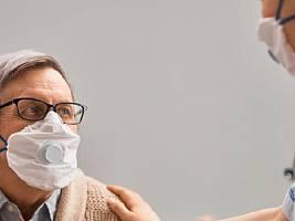 Вирусологи определили, когда переболевший коронавирусом перестает быть заразным