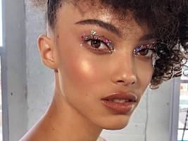 Главные цвета 2021 года: в макияже, маникюре, окрашивании
