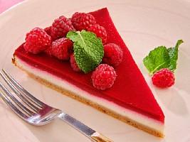 Вишневый чизкейк, персиковое суфле: 3 десерта для тех, кто следит за фигурой