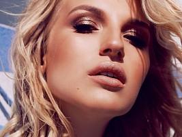 Запах женщины: 5 ароматов, возвращающих женственность