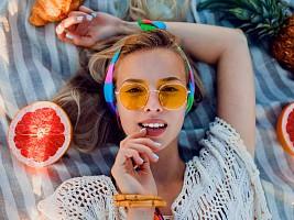 7 средств для губ, котоые разнообразят летний макияж