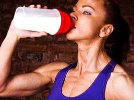Ученые выяснили, почему нельзя употреблять белки сразу после тренировки
