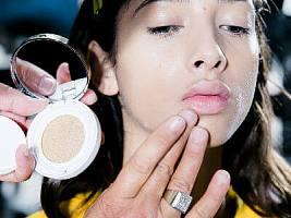 3 бьюти-тренда в макияже с показа Mugler весна-лето 2018