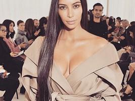 Ким Кардашьян страдает от псориаза
