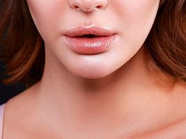 Врачи рассказали, какие губы считать идеальными