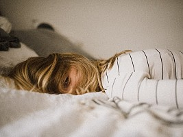 Спать в обед не стыдно: 5 причин сделать это ежедневной привычкой
