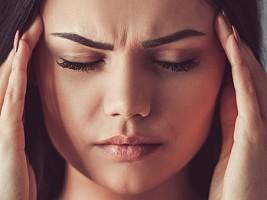 Осенняя мигрень: причины, последствия и лечение заболевания