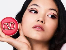 Zara и Valentino: зачем модные гиганты запускают линии косметики сейчас?