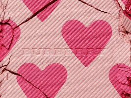 Объект желания: румяна с сердечками Burberry