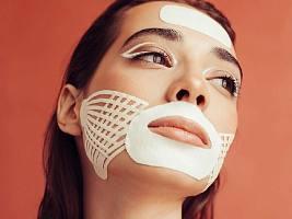 Тейпирование лица: тренд эстетической медицины, который захватил Instagram