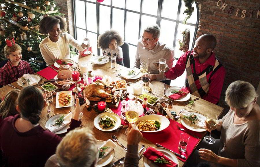 Наперекор традициям: как отмечают Новый год в Европе (с рецептами)