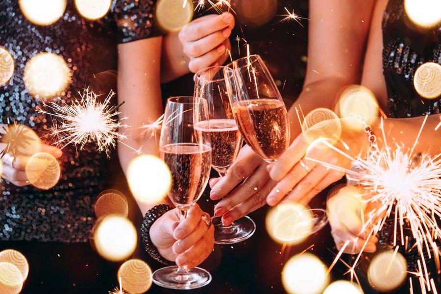 В брызгах шампанского! Как выбрать новогодний главный напиток